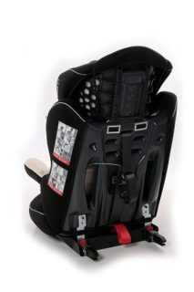 Der Kindersitz mit Seitenaufprallschutz von Ferrari Gran Tourismo im Test und Vergleich bei Expertentesten