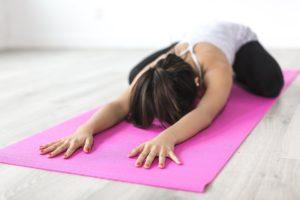 Online Fitness Studio Yoga Frau Training