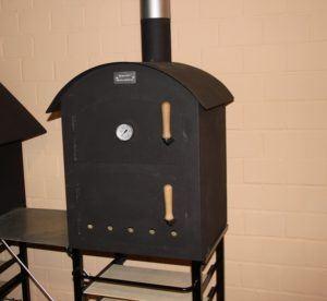 Welche Arten von Holzbacköfen gibt es in einem Test?