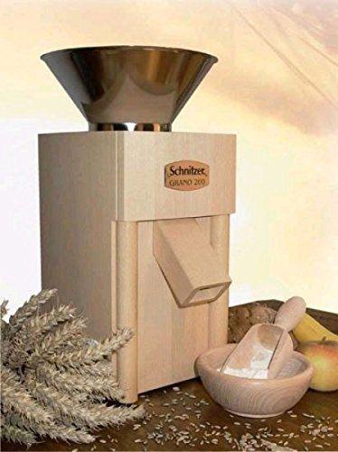 Schnitzer Getreidemühle Grano 200 mit Metalltrichter im Test