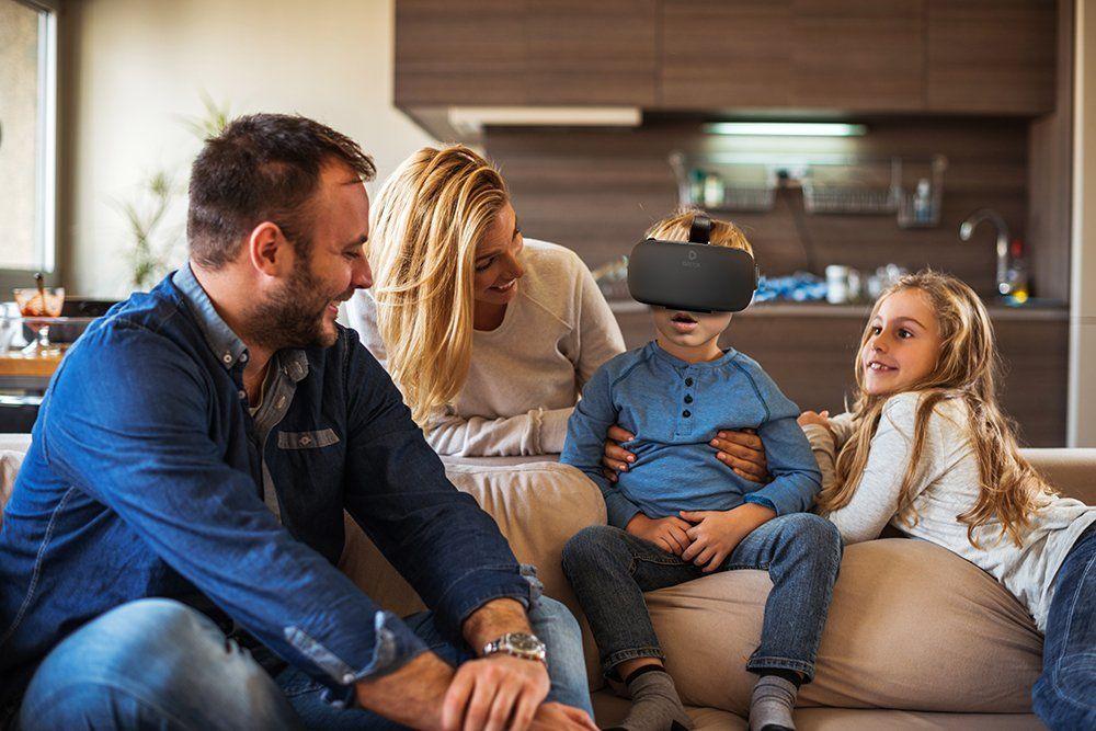 VR Brille Test - die Familie testet die VR Brille