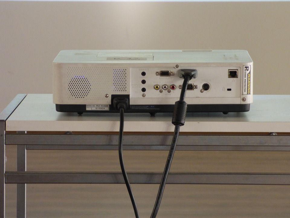 Anschlüsse im Surround System Test