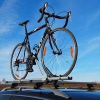 Dachfahrradträger von Eufab auf einem Auto montiert