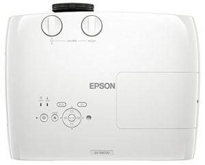 Der Beamer mit 3-Chip-System von Epson EH-TW6700 im Test und Vergleich bei Expertentesten
