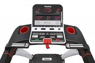 Dieses Laufband von Reebok hat 24 Trainingsprogramme, um Sie sehr schnell fit zu machen Test