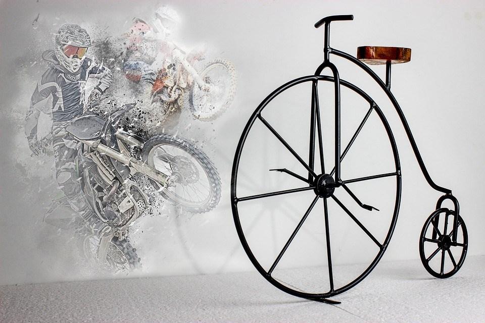 Rennrad Test - das erste Fahrrad und die modernen Motorbikes