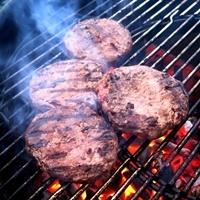 3 Tricks, wie Sie erkennen, ob das Fleisch durch ist