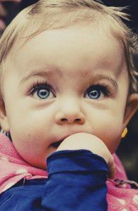 Baby Entwicklung der Sinne