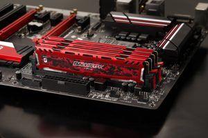 Die Farbe der DDR4 RAM-Schutzmasken gibt dem Computer eine besondere Schönheit