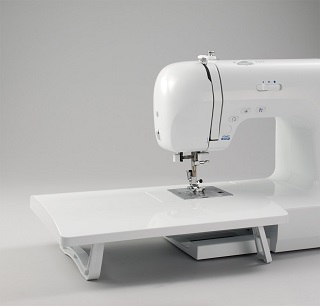 Die Carina Premium Nähmaschine ist sehr sauber verarbeitet und hat ein wunderschönes Design Test