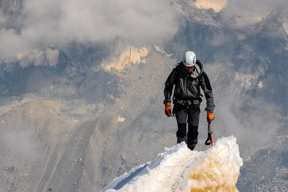Kletterschuh Test - der Mann im alpinen Raum