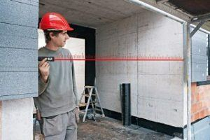 Der Disto D110 Laser Entfernungsmesser wird getestet