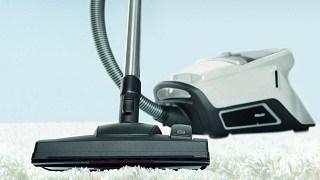 auf Teppich saugen mit dem Miele Blizzard CX1 Staubsauger im Test