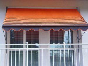 Sonnenschirm Test - die Markise auf dem Balkon