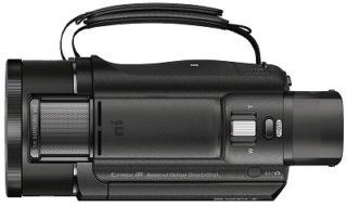 Der Sony FDR-AX53 4K Ultra HD Camcorder von Seite im Test