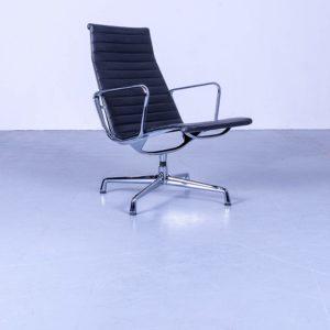 Der Vitra Charles Eames EA 116 im Bürostuhl Test