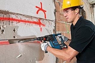 Der GBH 18 V-26 F Bohrhammer von Bosch hat viele Vroteile im Test gezeigt