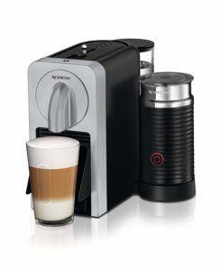 Fertiger Kaffee mit der De'Longhi EN 270 SAE Nespresso Maschine