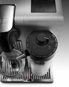 Milchaufschäumer der DeLonghi EN 750 MB Nespresso Maschine