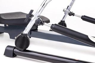 Hydraulikzylinder. Stufenlose Widerstandsregulierung, die sich in Reichweite des Trainierenden befindet Test