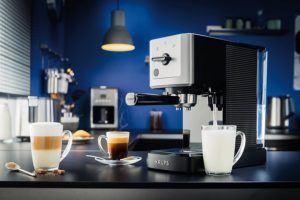 Krups Espressomaschine mit Siebträger in der Küche