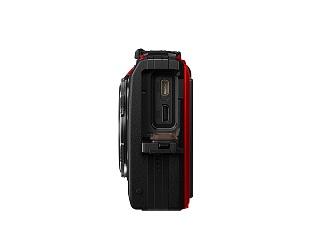 Seitenansicht von Olympus Tough TG-5 Unterwasserkamera im Test