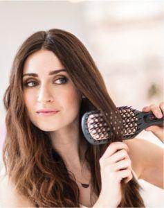 Remington Glättbürste mit hochwertiger keramikbeschichtete Borsten für ein Glätten der Haare in nur einem Zug im Test