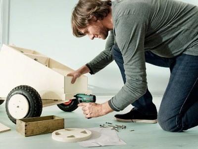 Bosch DIY Akku-Schrauber PSR Select bei der Arbeit 3 im Test