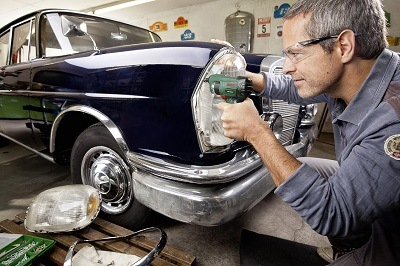 Bosch DIY Akku-Schrauber PSR Select bei der Arbeit im Test