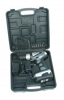 Der M17900 18 V Akkuschrauber hat ein sehr gut verarbeitetes Koffer. Test