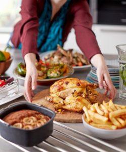 ohne Fett und Öl zu frittieren mit dem Philips HD965290 Airfryer XXL Funktionen Friteuse ohne Fett im Test