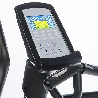 Der CardioCross Carbon Advance bietet eine Auswahl von 12 vorprogrammierten Trainingsprogrammen Test