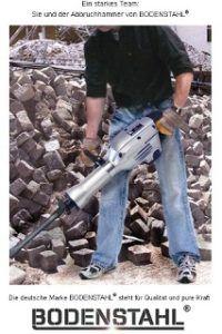 Mann benutzt den Bodenstahl MH60J Abbruchhammer im Test