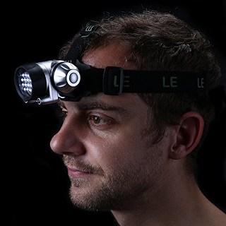 Die Stirnlampe mit verschiedenen Helligkeitsstufen von Lighting EVER 3200001 im Test und Vergleich bei Expertentesten