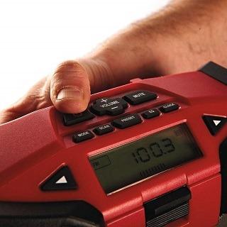 Das 4933416365 Baustellenradio ist sehr leicht zu bedienen TEst