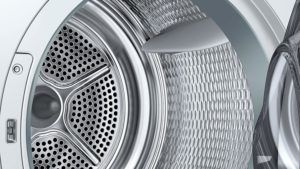 Waschmaschinentrommel der Waschmaschine von Bosch WTW875W0 Serie 8 mit integriertem Trockner und selbstreinigendem Kondensator im Test.