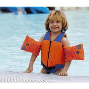 Die unterschiedlichen Größen der Schwimmwesten im Test und Vergleich