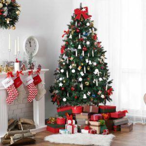 Jede einzelne Flamme der LED Weihnachtsbaumbeleuchtung kabellos von MVPOWER in Kerzen Form wird mit einer Batterie bestückt, die im Test der Stromversorgung dient.