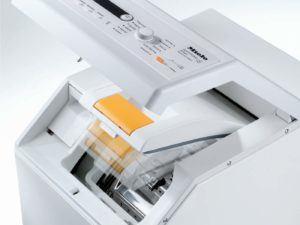 Die Funktionen, Waschprogramme und Display der Miele W695F WPM D LW Waschmaschine mit integriertem Trockner im Test.