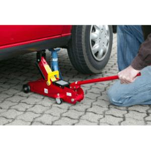 Der Scherenwagenheberim Praxistest und Vergleich