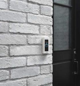 Ring Video Doorbell Pro WLAN Türklingel montiert