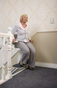Wo und wie kann ich einen Treppenlift Testsieger richtig anwenden