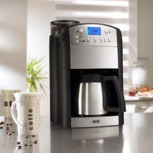 Nach diesen Testkriterien werden Kaffeemaschinen mit Mahlwerk bei uns verglichen
