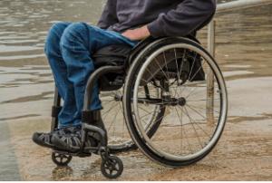 So werden Rollstuhllifte getestet im Vergleich