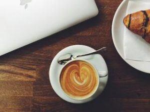 Einbau Kaffeevollautomat Whirlpool ACE010IX Cappuccino mit Latteart