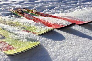 Nach diesen Testkriterien werden Ski bei uns verglichen