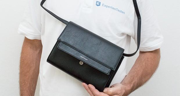 Matt & Nat Trek Reisetasche kommt mit einem verstellbaren und vollständig abnehmbaren Schultergurt