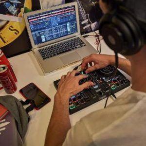 Hercules DJ Controler Inpulse 200 Laptop