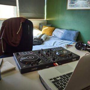 Hercules DJ Controler Inpulse 300