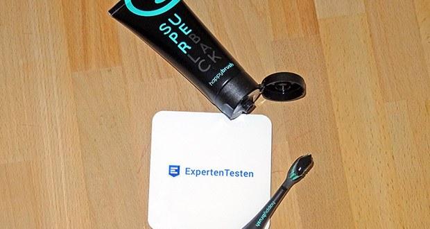 happybrush SuperBlack Zahnpasta - Zink und Aktivkohle der black toothpaste für weißere Zähne kümmern sich heldenhaft um Deine natürliche Zahnaufhellung